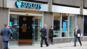 Barclays signs extension deal with Visa