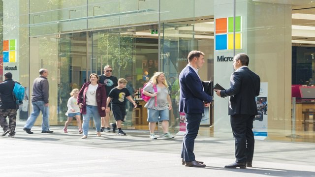 Microsoft Store taps R.R.Donnelley & Sons to boost in-store marketing strategy with digital signage