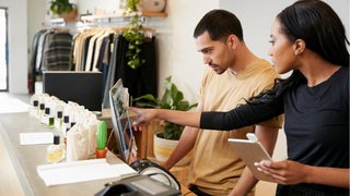 4 tips to keep retail employees engaged and motivated