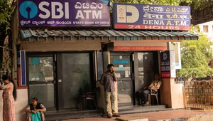 Reserve Bank of India clarifies free ATM transactions