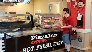 Pizza Inn, Pizza Inn Express opening 7 Midwest units